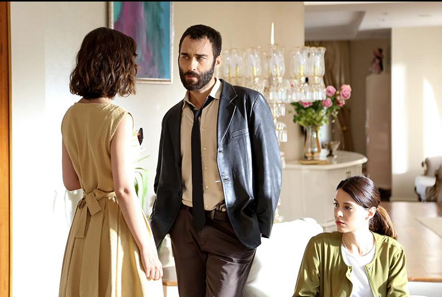 Baș Belasi (Pacostea) serial turcesc polițist și comedie romantică