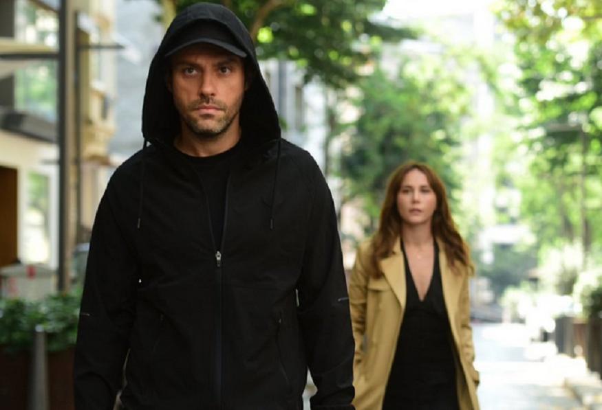 Salih Bademci și Burçin Terzioğlu în serialul Yalanci